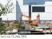 Купить «Подготовка строительной площадки в городе Сочи», фото № 5242583, снято 7 сентября 2012 г. (c) Михаил Иванов / Фотобанк Лори