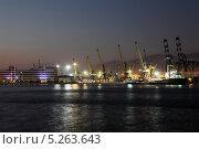 Морской торговый порт в Новороссийске (2013 год). Редакционное фото, фотограф Валерий Князькин / Фотобанк Лори