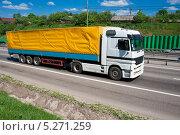 Купить «Фура едет по дороге в летний день», фото № 5271259, снято 20 мая 2010 г. (c) Алексей Попов / Фотобанк Лори