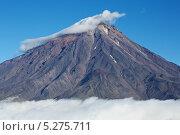 Корякский вулкан в шапке из облаков. Стоковое фото, фотограф Vladimir 'Seagull' Maksimov / Фотобанк Лори