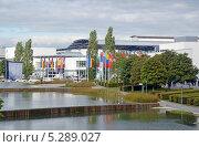 Купить «Вид на западный вход выставочного центра Messe Munchen (New Munich Trade Fair Centre) - Мюнхен, Германия», эксклюзивное фото № 5289027, снято 20 сентября 2013 г. (c) Александр Замараев / Фотобанк Лори