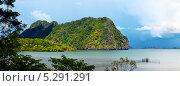 Купить «Пейзаж с морем и горой, Таиланд», фото № 5291291, снято 21 января 2012 г. (c) Петр Малышев / Фотобанк Лори