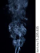Клубы дыма на черном фоне. Стоковое фото, фотограф Фесенко Сергей / Фотобанк Лори