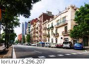 Купить «Вид на авеню Меридиана, Барселона, Испания», фото № 5296207, снято 11 июня 2013 г. (c) Яков Филимонов / Фотобанк Лори