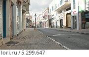Купить «Магазины на улице Кипра», видеоролик № 5299647, снято 23 ноября 2013 г. (c) Кекяляйнен Андрей / Фотобанк Лори
