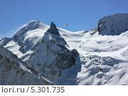 Планер над зимними горами. Стоковое фото, фотограф Ислам Ижаев / Фотобанк Лори