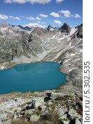 Самое высокогорное в Европе Голубое Муруджиское озеро, Кавказ (2009 год). Редакционное фото, фотограф Ислам Ижаев / Фотобанк Лори