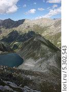 Чёрное Муруджинское озеро в горах Карачаево-Черкесии. Стоковое фото, фотограф Ислам Ижаев / Фотобанк Лори