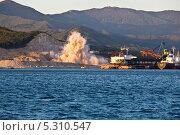 Взрыв карьера (2013 год). Редакционное фото, фотограф Sergey  Kalabin / Фотобанк Лори