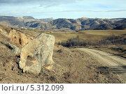 Купить «Дорога в Верхнюю Мару», фото № 5312099, снято 22 ноября 2013 г. (c) Игорь Веснинов / Фотобанк Лори