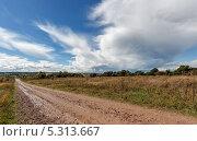 Облака над полем. Стоковое фото, фотограф Ермихина Оксана / Фотобанк Лори