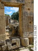 Купить «Древние руины мастерской Фидия, Греция», фото № 5318587, снято 5 октября 2013 г. (c) Знаменский Олег / Фотобанк Лори