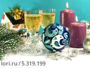 Купить «Новогодняя композиция», фото № 5319199, снято 19 ноября 2013 г. (c) Виктор Топорков / Фотобанк Лори