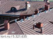Купить «Фрагмент старых крыш домов в Москве», фото № 5321635, снято 3 августа 2012 г. (c) Михаил Иванов / Фотобанк Лори