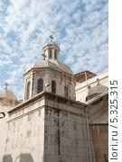Купить «Храм в городе Иерусалим. Израиль», фото № 5325315, снято 12 ноября 2013 г. (c) Александр Овчинников / Фотобанк Лори