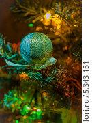 Елочная игрушка. Стоковое фото, фотограф Анастасия Ефремова / Фотобанк Лори