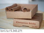 Купить «Палочки корицы в упаковке», фото № 5343271, снято 7 декабря 2013 г. (c) Вероника / Фотобанк Лори
