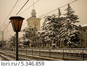 Зимний вокзал в Симферополе. Крым (2010 год). Стоковое фото, фотограф Андрей Кучер / Фотобанк Лори