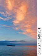 Летнее ночное небо над Карским морем. Стоковое фото, фотограф Сергей Гусев / Фотобанк Лори