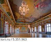 Купить «Интерьер бального зала в Рундальском дворце, Латвия», фото № 5351963, снято 7 января 2013 г. (c) Julia Shepeleva / Фотобанк Лори