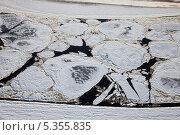 Купить «Льдины плывущие по реке, вид сверху», фото № 5355835, снято 6 декабря 2013 г. (c) Владимир Мельников / Фотобанк Лори