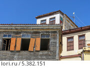 Cтарые дома на набережной города Ханья, Крит (2013 год). Стоковое фото, фотограф Наталия Пылаева / Фотобанк Лори