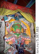 Купить «Статуя дхармапалы с мечом (защитника дхармы) в буддийском храме в Пекине, Китай», фото № 5387883, снято 12 октября 2013 г. (c) Владимир Журавлев / Фотобанк Лори