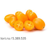 Купить «Плоды кумкват», фото № 5389535, снято 1 марта 2011 г. (c) Natalja Stotika / Фотобанк Лори
