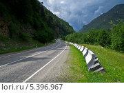 Шоссе в горах. Стоковое фото, фотограф Сергей Юшинский / Фотобанк Лори