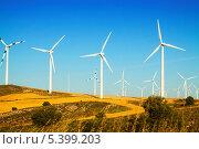 Купить «Ветряные генераторы», фото № 5399203, снято 4 июля 2013 г. (c) Яков Филимонов / Фотобанк Лори