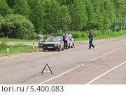 Авария на шоссе (2013 год). Редакционное фото, фотограф Алёшина Оксана / Фотобанк Лори