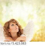 Купить «несчастная девушка в костюме ангела на оливковом фоне», фото № 5423083, снято 1 августа 2009 г. (c) Syda Productions / Фотобанк Лори