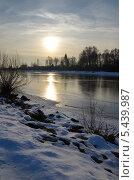 Первый лед в лучах солнца. Стоковое фото, фотограф Елена Коромыслова / Фотобанк Лори