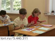 Купить «На уроке рисования в школе», эксклюзивное фото № 5440311, снято 2 августа 2006 г. (c) Ирина Терентьева / Фотобанк Лори