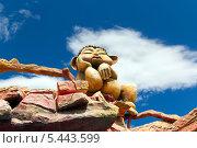 Купить «Скульптура в парке развлечений на горе Мтацминда. Тбилиси. Грузия», фото № 5443599, снято 3 июля 2013 г. (c) Евгений Ткачёв / Фотобанк Лори