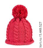 Купить «Красная вязаная шапка с помпоном», фото № 5449527, снято 3 января 2014 г. (c) Наталия Пыжова / Фотобанк Лори