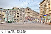 Купить «Центральная улица города Москвы», фото № 5453659, снято 1 января 2014 г. (c) Parmenov Pavel / Фотобанк Лори