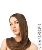 Купить «Красивая брюнетка с длинными ухоженными волосами, изолированно на белом фоне», фото № 5453943, снято 28 ноября 2013 г. (c) Andrejs Pidjass / Фотобанк Лори