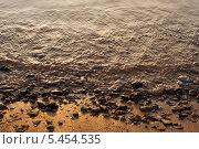 Волны на берегу реки. Стоковое фото, фотограф Фесенко Сергей / Фотобанк Лори