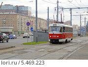 Купить «Трамвай маршрута 15 в начале Волоколамского шоссе (Москва)», фото № 5469223, снято 11 сентября 2013 г. (c) Александр Замараев / Фотобанк Лори