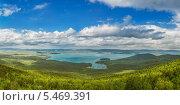 Купить «Озеро Тургояк с хребта Заозёрного», фото № 5469391, снято 8 июня 2013 г. (c) Сергей Крылов / Фотобанк Лори