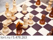 Купить «Деревянные шахматы», фото № 5478263, снято 23 ноября 2013 г. (c) Кекяляйнен Андрей / Фотобанк Лори