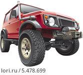 Купить «Красный джип на белом фоне», иллюстрация № 5478699 (c) Геннадий Поддубный / Фотобанк Лори