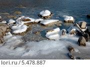 Первый лед на побережье Японского моря. Стоковое фото, фотограф Георгий Хрущев / Фотобанк Лори