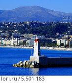 Маяк, стоящий перед входом в порт Ниццы (2013 год). Редакционное фото, фотограф Марина Валентиновна Фор / Фотобанк Лори