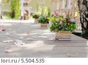 Купить «Свадебные цветы», фото № 5504535, снято 18 февраля 2018 г. (c) Анна Боровикова / Фотобанк Лори