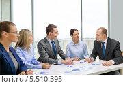 Купить «деловые переговоры», фото № 5510395, снято 9 ноября 2013 г. (c) Syda Productions / Фотобанк Лори