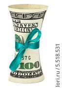 Купить «Рулон из долларов США, перевязанный ленточкой, с эффектом искажения формы», фото № 5518531, снято 22 сентября 2019 г. (c) FotograFF / Фотобанк Лори