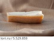 Твёрдый сыр пармиджано-реджано (parmigiano reggiano), Италия. Стоковое фото, фотограф Марина Гуменюк / Фотобанк Лори