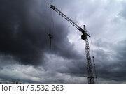 Башенный кран (2013 год). Стоковое фото, фотограф Вячеслав Ассельборн / Фотобанк Лори